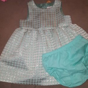 Baby girls beautiful dress size 18 months worn 1x